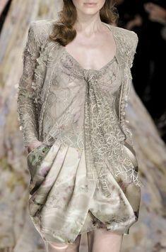 Elie Saab at Couture Spring 2010 (Details)