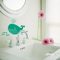 velryba Biba Velryba Biba s kamarádkami se těší až si zaplave ve Vaší koupelně nebo na zdi dětského pokojíku. Nabízíme jako kvalitní vyřezávanou samolepku ve standardní velikosti 30x25cm v libovolných barvách. Na přání až do velikosti velryby 50cm. Pro kreativní ratolesti máme i variantu velryby jako tabule na zeď na kterou lze kreslit obyčejnými křídami. Nálepka je ...