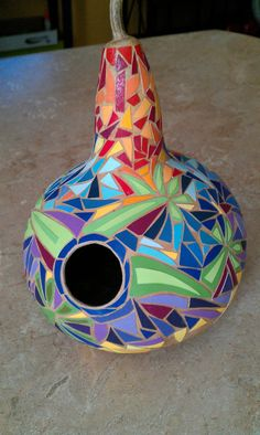 Mosaic Blue Bird House made from gourds by TheJollyMonShop on Etsy Would be cute as a bird feeder too. Mosaic Crafts, Mosaic Projects, Mosaic Art, Mosaic Glass, Paper Mosaic, Stained Glass, Bluebird House, Gourds Birdhouse, Mosaic Birds