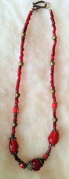 Szerelem - üveg nyaklánc  réz gyöngyökkel (gaboca) - Meska.hu Handmade Necklaces, Valentino, Beaded Necklace, Jewelry, Fashion, Beaded Collar, Moda, Jewlery, Pearl Necklace