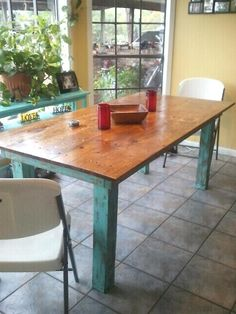 Trendy ideas for kitchen table top redo ana white Table Top Redo, Diy Table, Looking For Houses, New Farm, Diy Furniture, Furniture Refinishing, Painting Furniture, Furniture Plans, Do It Yourself Home