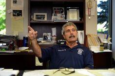 – Hur kan du leva med dig själv, frågade Pat Sweeney en person högt upp i företaget.