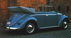 The 1960s Cabriolet - As far as the Karmann cabriolet was concerned, the new decade began with more of a whimper than a bang. Certainly sales were up, as was production, reaching a new high of 11,921 in 1960. But as for major design changes, there were none, Volkswagen restricting itself to the usual detail modifications that helped make the Beetle than ever.