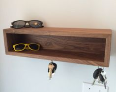 Floating Entryway Shelf with Magnet Key Hooks Mid от KrovelMade