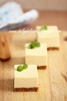 dailydelicious: Mini Honey Lemon Rare Cheese Cake: Enjoy the richness in the mini size cake