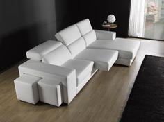 Todo en un sofá!! Asientos deslizantes, respaldos reclinables, dos pouffs en brazo y arcón opcional en chaiselongue.