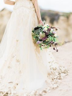 gold dress, flowers with touches of dusty purples, great for fall