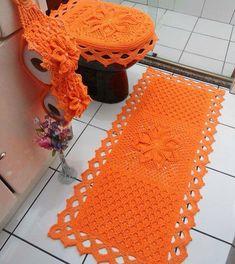 Tapete de crochê para banheiro: 50 modelos para decorar o seu cantinho Crochet Home, Love Crochet, Diy Crochet, Crochet Flowers, Bathroom Crafts, Bathroom Rug Sets, Bathrooms, Crochet Designs, Crochet Patterns