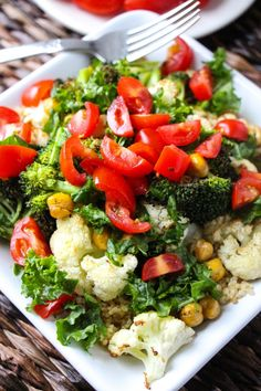 This quinoa bowl has everything you could ever wish for in a quinoa bowl: it's savory, fresh, smoky, warm, comforting, seriously healthy, filling, and simple! Layers of warm quinoa, roasted vegetables, crunchy chickpeas, tangy kale, fresh tomatoes, and a creamy garlic herb hummus sauce. If you can't tell we have been on a health kick …