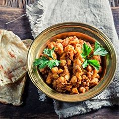 Oil-Free Chana Masala Recipe // Made with chickpeas onion tomato coriander plenty of flavorful spices! Organic Ghee, Channa Masala, Grass Fed Ghee, Chickpea Curry, Masala Recipe, Clean Recipes, Superfood, Food Videos, Food To Make