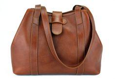 A must have!  productImages/medium/Handbag-Tote-Cognac-Alternate