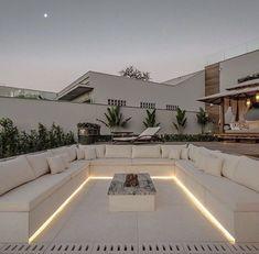Dream House Interior, Luxury Homes Dream Houses, Dream Home Design, Modern House Design, Backyard Seating, Backyard Patio Designs, Backyard Ideas, Backyard Landscaping, Outdoor Fireplace Designs