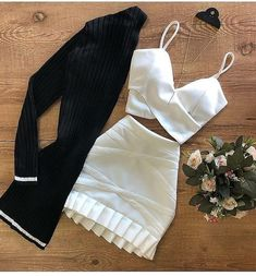 Girls Fashion Clothes, Teen Fashion Outfits, Look Fashion, Girl Fashion, Girl Outfits, Fashion Dresses, Really Cute Outfits, Cute Casual Outfits, Pretty Outfits