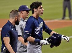 This sucks! Christian Yelich fractured his right knee cap off a foul ball. Out for the rest of the reason! That sucks! Sports Baseball, Baseball Players, Softball, Heart Procedures, Christian Yelich, Pity Party, Sprained Ankle, Basketball Quotes, The Outfield