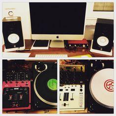 Simo_G_ Setup ready  #alienarmyitaly #ranedj #nativeinstruments #kontrolz2 #studio #turntablism #scratch by simo_g_ http://ift.tt/1HNGVsC