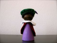 Peg doll zwarte piet Wooden Pegs, Wooden Diy, Kokeshi Dolls, Yule, Holiday Decor, Crafts, Theater, Chicken, Baby Dolls