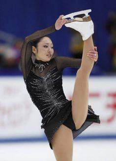 フィギュアスケートの全日本選手権最終日は2010年12月26日、長野市のビッグハットで行われ、女子は安藤美姫(23)=…