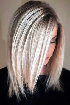 A lob haircut is something you should consider next time you are going to visit your hair stylist. Today we are going to prove you that there is nothing you couldn't combine well with a long bob haircut. Long Bob Haircuts, Haircuts For Fine Hair, Haircut For Thick Hair, Bob Hairstyles, Women's Haircuts Medium, Haircut Medium, Blonde Haircuts, Amazing Hairstyles, Medium Hair Cuts