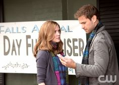 """""""A Few Good Men"""" -- Pictured (L-R) Sara Canning as Jenna and Matt Davis as Alaric in The Vampire Diaries on The CW. Photo: Bob Mahoney / The CW ©2010 The CW Network, LLC. All Rights Reserved"""