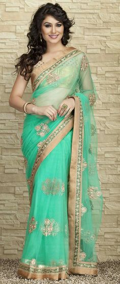 Saree - Shop for Ladies designer Sarees Online. Buy casual, formal & partywear Saris in various fabrics, patterns & colours from Craftsvilla at best prices. Bollywood Saree, Bollywood Fashion, Indian Dresses, Indian Outfits, Indian Clothes, Beautiful Saree, Beautiful Dresses, Beautiful Ladies, Moda Indiana