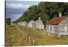 Old Southern Homes, Southern Plantation Homes, Plantation Style Homes, Plantation Houses, Southern Style, Abandoned Plantations, Louisiana Plantations, New Orleans Garden District, Old Cabins