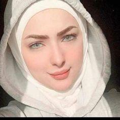Girls Phone Numbers, Muslim Beauty, Text On Photo, Veil, My Girl, Cute, Saris, Beautiful, Fashion