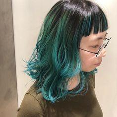 Tanaka moekoさんはInstagramを利用しています:「.______emerald green.ほんのり青みをプラスしたカラー😋👏🏻最近はカラーバター使ったからが好き!ベースをバレイヤージュでグラデーションを作って前髪にインナーカラーも入れてます😘#エメラルドグリーン#バレイヤージュ」 Cut And Color, Hair Inspiration, Cool Hairstyles, Hair Makeup, Coloring, Make Up, Long Hair Styles, Girls, Summer