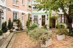 La Cité FloraleAccessible depuis la rue Brillat-Savarin ou par la rue Auguste Lançon75013 Paris