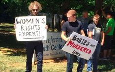 Protesting protesters outside of a pp clinic