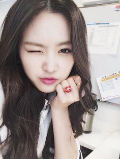 Apink's Naeun selca