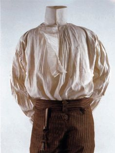 Man's Shirt, late 18thC, cream linen. (c) Metropolitan Museum of Art