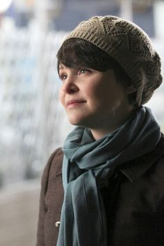 Ginnifer Goodwin as Snow White/Mary Margaret in Once Upon a Time. Ginnifer Goodwin, Ginny Goodwin, Once Upon A Time, Mary Margaret Style, Look Vintage, Look At You, Madame, Pixie Hairstyles, Pixie Haircuts