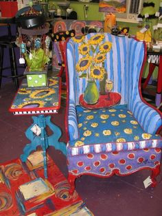 Painted upholstery, floorcloth and table #funkyfurniture