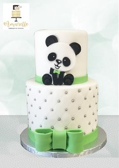 Panda Bear Cake, Bolo Panda, Panda Cakes, Bear Cakes, Panda Birthday Cake, Baby Birthday Cakes, First Birthday Cake Pictures, Cake Icing Techniques, Panda Themed Party