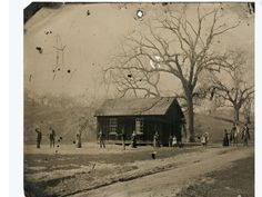 Image: Handout of a newly discovered inch tintype photograph featuring legendary Wild West gunslinger Billy the Kid playing croquet with accomplices from his New Mexico gang known as the Regulators Billy Kid, Billy The Kids, Rare Photos, Vintage Photographs, Old Photos, Famous Outlaws, Tintype Photos, Le Far West, Old West