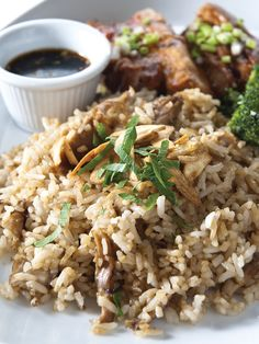 Barbecued Pork Belly with Adobo Rice by Chef Junjun de Ocampo Indian Food Recipes, Real Food Recipes, Ethnic Recipes, Pork Belly, Fried Rice, Barbecue, June, School, Barrel Smoker