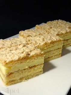 egycsipet: Kijevi krémes Hungarian Desserts, Hungarian Recipes, Sweet Recipes, Cake Recipes, Dessert Recipes, Russian Cakes, Sweet Cookies, Food Humor, Sweet And Salty