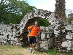 Frédéric Mathieu en las Ruinas de Panamá Viejo, Panamá, Panamá (27/02/2006)