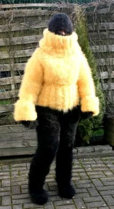 The Effective Pictures We Offer You About pulli sitricken mohair A quality picture can tell you many Gros Pull Mohair, Extreme Knitting, Big Knits, Fluffy Sweater, Winter Beauty, Snow Suit, Catsuit, Sweater Outfits, Wool Sweaters