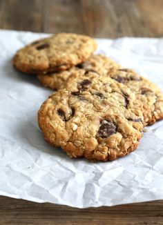Get this tested recipe for gluten free oatmeal cookies made in the New York Times style—big, thick cookies, crispy on the outside, chewy on the inside.