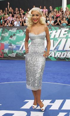 Christina Aguilera - MTV Movie Awards 2006 1810 x 3000 ( Burlesque Outfit, Beautiful Christina, Cool Girl Style, Mtv Movie Awards, Silver Dress, Christina Aguilera, Celebs, Celebrities, Girl Crushes