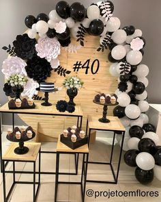 Diy bedroom decor videos De Decor - How about a black and white party to celebrate Balloon Centerpieces, Balloon Garland, Balloon Decorations, 40th Birthday Decorations, 40th Birthday Parties, Paper Backdrop, Birthday Table, Husband Birthday, Milestone Birthdays