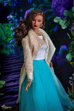 "ELENPRIV Beige sequined cardigan for Fashion royalty FR:16 16"" ITBE dolls Sybariye Tonner and similar body size dolls. by elenpriv on Etsy"
