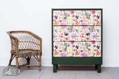 IKEA-bútor festése házilag: IKEA-hack-sorozat, 2. rész | Azúr Bagoly Ikea Hack, Decoupage, Owl, Hacks, Curtains, Cabinet, Storage, Furniture, Home Decor