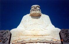 Шаолинь, статуя Дамо (фото на Facebook Марии Зайцевой)