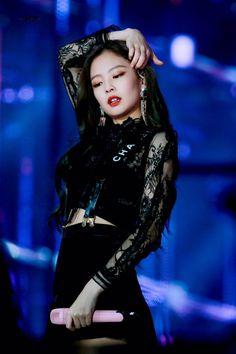 Love Kim Jennie, Yg Entertainment, South Korean Girls, Korean Girl Groups, My Little Beauty, Black Korean, Blackpink Photos, Blackpink Jisoo, Queen