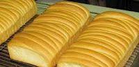 RESEP ROTI SISIR MENTEGA - BAHAN : 1 kg tepung terigu protein tinggi 15 gram ragi instant 150 gr gula pasir 100 gr susu bubuk 6 btr telur 500 ml air dingin 180 gr mentega 2 sdt garam Susu evaporated secukupnya BAHAN OLESAN : 50 gr margarin 50 gram mentega tawar atau biasa 50 gram gula halus 25 ml susu kental manis