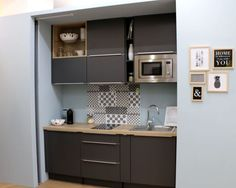 Little narrow shelves Micro Kitchen, Small Space Kitchen, Compact Kitchen, Small Space Living, Small Spaces, Apartment Kitchen, Kitchen Interior, Kitchen Design, Small Studio Apartments
