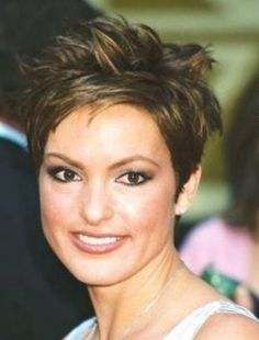 Very Chic pixie with long spikey top.How cute is this haircut! Very Chic pixie Edgy Short Hair, Long To Short Hair, Edgy Hair, Short Hair Cuts, Pixie Cuts, Short Pixie, Love Hair, Great Hair, Awesome Hair