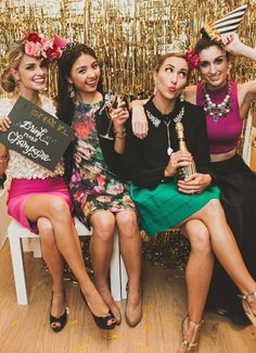 The Ultimate DIY New Years Eve Party Photo Booth